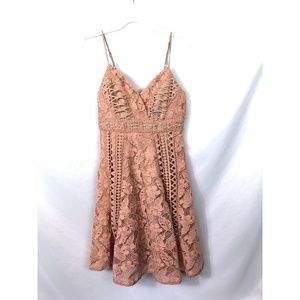 Anthropologie Dresses - Anthropologie HD in Paris Astrid Lace Dress *read*